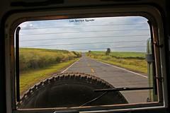 Back Home (Luiz Henrique Assunção) Tags: road canon eos estrada landrover 2008 analândia 40d licassuncao