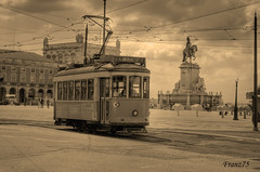 Tram in sepia (franz75) Tags: portugal electric sepia d50 nikon lisboa lisbon tram pracadocommercio carris lisbona portogallo praca ajuda elettrico seppia eléctrico ilustrar wowiekazowie ilustrarportugal sérieouro
