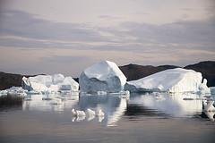 Icebergs (elosoenpersona) Tags: ice lafotodelasemana greenland iceberg tierras hielo icebergs naturesfinest polares gronland groenlandia narsaq narssaq 082008 platinumphoto anawesomeshot aplusphoto theunforgettablepictures elosoenpersona vestgronland