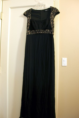 So heres the dress. Simple. Comfortable. No spandex required.
