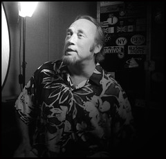 Stephen Stills In His Dressing Room (P.S.Zollo) Tags: riverside hollywood joker billy debbie obama frankies tarzana lovesong thetimes wackydoodle folktacular syderino redemptionsong1111 theyareachangin obamawillwininalandslidemccainisaloserthroughandthrough