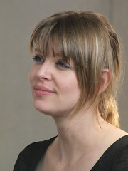 Amber Benson (Megashorts) Tags: uk celebrity iso800 tara buckinghamshire 14 olympus actress buffy e3 milton keynes 70300mm 2008 buffythevampireslayer amberbenson collectormania taramaclay collectormania14