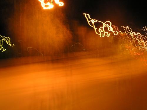 Vauhdikkaita valoja yössä