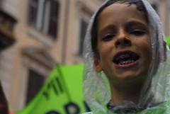 Il futuro dei bambini... (Baruda) Tags: roma nikon bambini universit ritratto precari carabinieri scuola cobas manifestazione diluvio corteo lavoratori nikond200 movimentostudentesco gelmini scioperogenerale baruda ortodonzia valentinaperniciaro ilfuturodeibambininonfarimacongelmini sindacatidibase