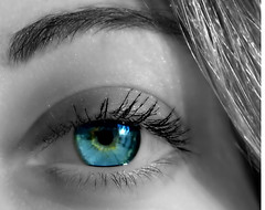 Blue eye (Angelo Losanno) Tags: blue ireland verde eye closeup donna women colore lashes gente blu gorgeous watch ombra makeup business occhi sguardo vista backdrop mascara bella angelo occhio eyebrows viso veda corpo bellezza guarda ipnotico backdrops tempesta sfondo dettaglio dscv1 bulbo netto umano occhiata riflessione epidermide visione femmina morbido giovane ispirazione allievi palpebra riassunto avvenire aspettativa concezione accattivante mywinners abigfave splendere oculare alfacentauri goldstaraward avvistare giovent salutarsi schiarire sfrontato graphicmaster angelolosanno losanno