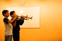 grande fraternidade dos trompetes (mantelli) Tags: brasil sãopaulo sp mantelli meninada programasocial programagurisantamarcelina