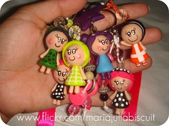 Chaveiros (Alane • maria julia biscuit) Tags: cute cores handmade artesanato artesanal biscuit fofo cor colorido porcelana porcelanafria feitoamao