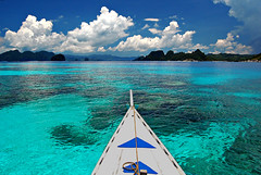 Liquid turquoise (.Lallie.) Tags: ocean boat waters elnido boatride palawan pristine naturesfinest 7107islands ipinas swimwiththefishy 2008wascrazy howibuiltmytan imisspalawan iwannajumponthescreen