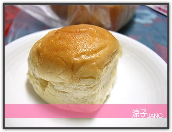 爆漿奶油餐包03