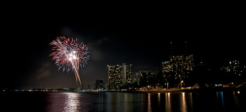 Free Waikiki Fireworks Show Every Friday Night Go Visit Hawaii