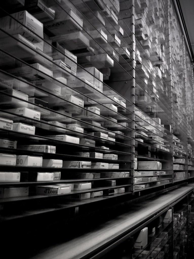 Costa Pharmacy #1 (by filipe franco)