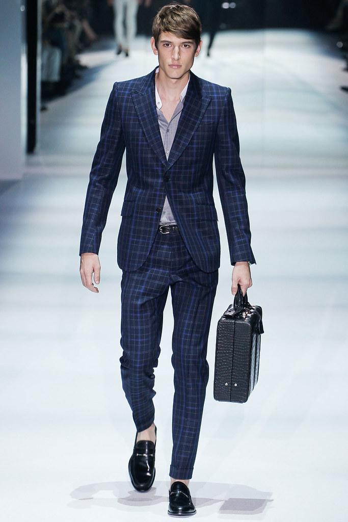 SS12 Milan Gucci027(VOGUEcom)