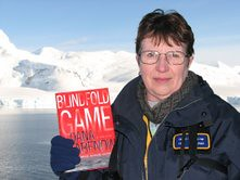 Blindfold Game in the Antarctic