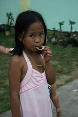 Pinay kid (crvillalva) Tags: fiesta random philippines boracay manocmanoc philippinevacation2008 may2008vacation