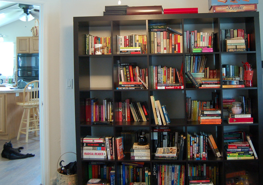 Bookshelf by elvissa, on Flickr