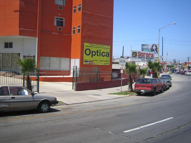 Tijuana  Vision Optica l (Opticas en Tijuana - Optometrista Titulado) Tel (664) 638-1042  USA (619)618-2503 by Tijuana Vision Optica l (Opticas en Tijuana - Opto