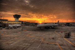 Newark Airport, NJ, USA (Raf Ferreira) Tags: nyc sunset airport nj newark rafael 2008 hdr ferreira peixoto