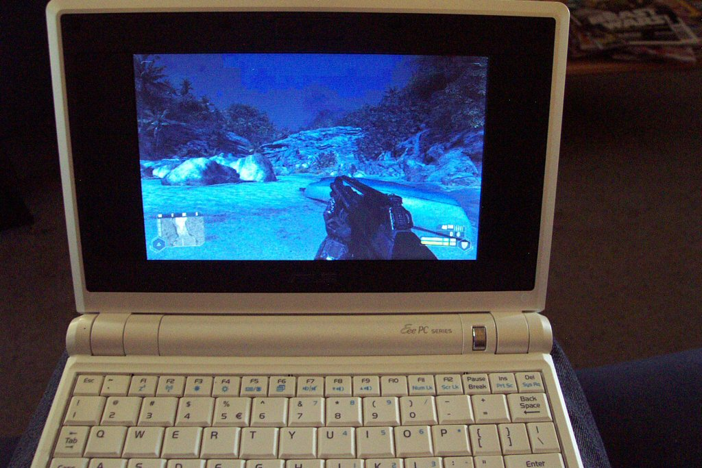 Playing Crysis on my Eee PC