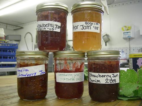 pyramid of jam