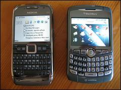 Nokia E71 vrs Blackberry Curve