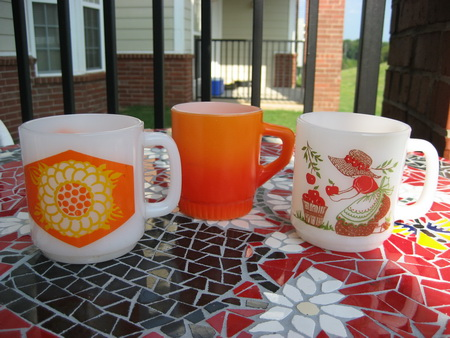 Fire King & Glasbake Mugs Post TN resized