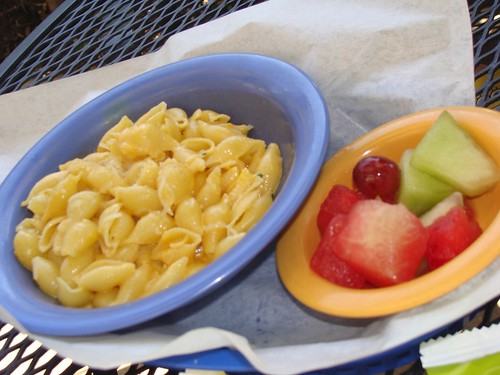 Mac and cheese with fruit