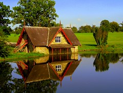 The Boathouse (Ann Mari) Tags: house reflection water golf boat amor greenery lovepeace boathouse maynooth kildare cartonhouse kartpostal bej freephotos specialtouch ultimateshot ysplix goldstaraward arealgem landscapesofvillagesandfields ourmasterpieces panoramafotogrfico reflectsobsessions