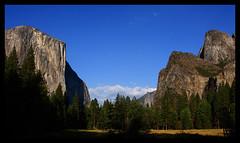 Yosemite Valley (Jonathan Urrutia) Tags: california blue cliffs redwoods yosemitenationalpark nationalparks