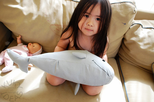 Hold the whale for mama