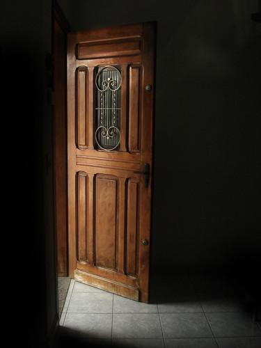 A porta está aberta... by Diego Monte Alto.