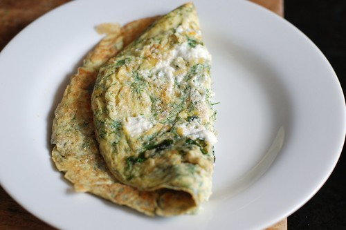 Dill, basil, and goat cheese omelette