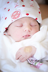 Innocent (ciseren  korkut) Tags: family baby cute love beauty children child hand innocent mother cutie motherhood pure bebek dogum yenidoan doum babaygirl doumfotoraflar doumfotorafs dogumfotografcisi bebekfotorafs isereninbebekleri cisereninbebekleri ciserensbabies ciserenbebekleri