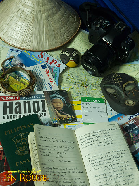 Vietnam guides, maps and memorabilias