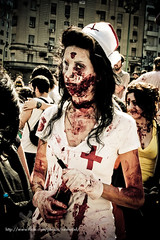 Living Dead (.aLabama.) Tags: argentina dead george blood kill bs zombie walk nurse romero obelisco sangre marcha enfermera matar zombiewalk 2610 jeringa flashiar