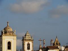 Pel Skyline (Felipe Paim) Tags: tower skyline cu igreja bahia nuvens salvador pelourinho torres sino pel coroamento whbrasil felipepaim
