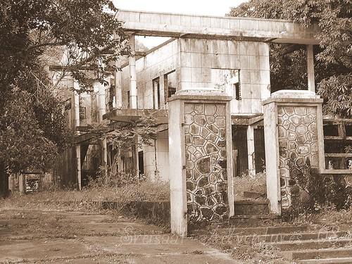Kep villa ruins 2