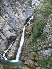 Slap Savica / Waterfall Savica (eszsara) Tags: alps waterfall nationalpark slovenia slap slovenija alpe julianalps triglavnationalpark slapsavica alpok szlovnia the4elements vzess triglavskinarodnipark julijskealpe waterfallsavica jliaialpok