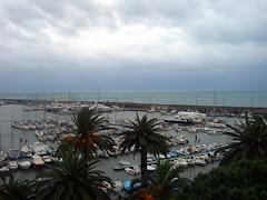 intervallo (maryateresa2001) Tags: italy panorama mtd mare liguria porto sanremo goldstaraward