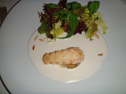 Ensalada de cigala con tartar de tomate y ajoblanco con foie gras