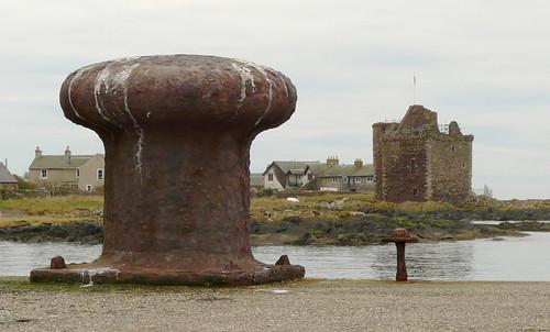Pier and castle 25Dec08