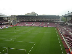 Highbury is Ready to open, Stewards in position (old man chillum....) Tags: west stand open gates free east ready pitch tshirts highbury arsenal afc teeshirts northbank clockend