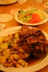 Schweinshaxe (Noema Prez) Tags: frankfurt main sidra meno ebbelwoi schoppe ppler ppelwoi frncfort ebbelwei stffche appelwein