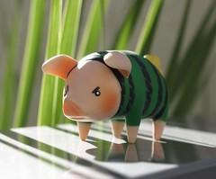 Wee Pig (jinjurblythe) Tags: monster fun toys pig blind box pigs hunter grumpy capcom