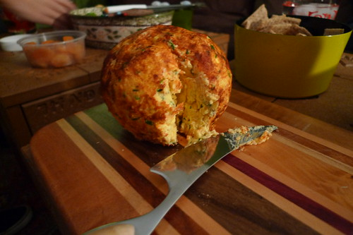 cheese ball (xmas edition)