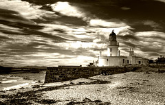 Chanonry Point Lighthouse (Uncle Berty) Tags: uk england bw lighthouse white black monochrome point scotland photographer virtual berty brill bucks isle hdr inverness rosemarkie facebook vp smalls chanonry fortrose hp18 artlegacy robfurminger
