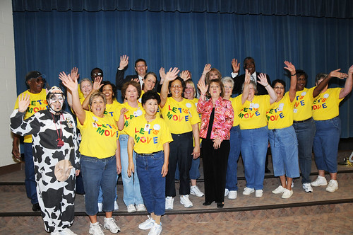 Thomasville Primary School's Let's Move and Nutrition Staff and other local, state and national VIPs were on hand to celebrate the school receiving a USDA HealthierUS School Challenge Gold Award in Thomasville, NC, (USDA Photo by Debbie Haston-Hilger)