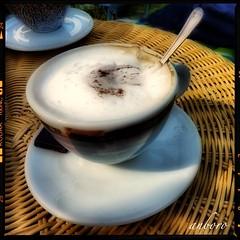 Tardes de café y conversación (anboro) Tags: summer coffee cappuccino