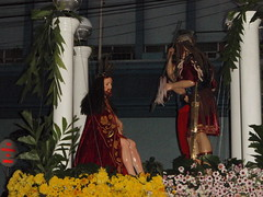 Crowning with thorns (Marq24) Tags: santa bacolod 2008 semana