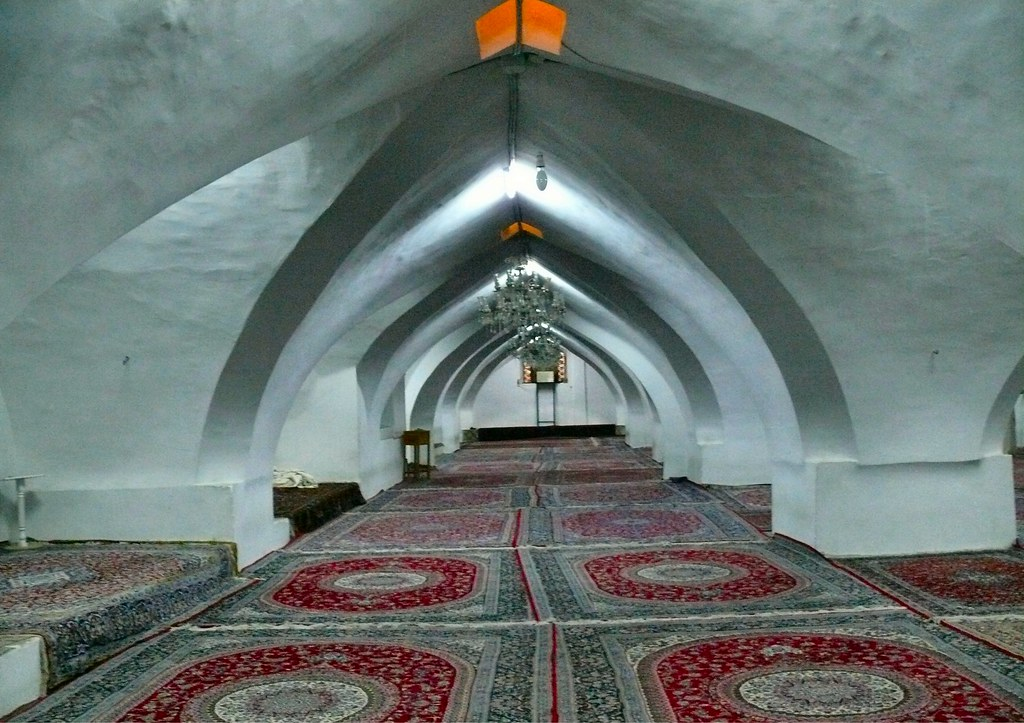 Vaults and rugs