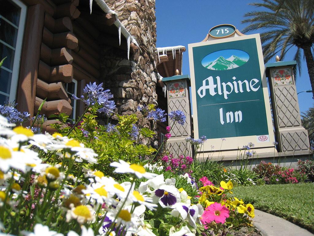 Alpine Inn Hotel Front